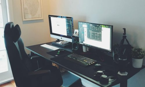 How to choose the best height adjustable standing desk for day trading